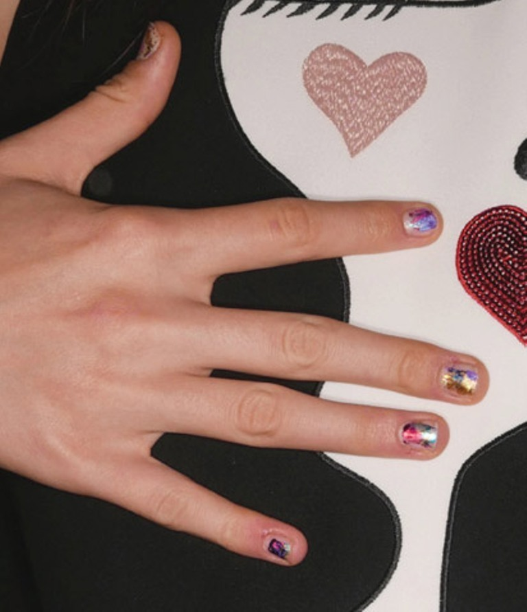 splatter-nails-2 45+ Hottest & Catchiest Nail Polish Trends in 2021