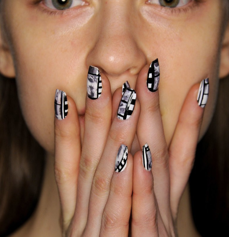splatter-nails 45+ Hottest & Catchiest Nail Polish Trends in 2020