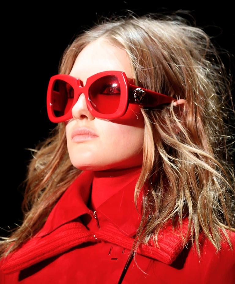 thick-frames-1 57+ Newest Eyewear Trends for Men & Women 2020