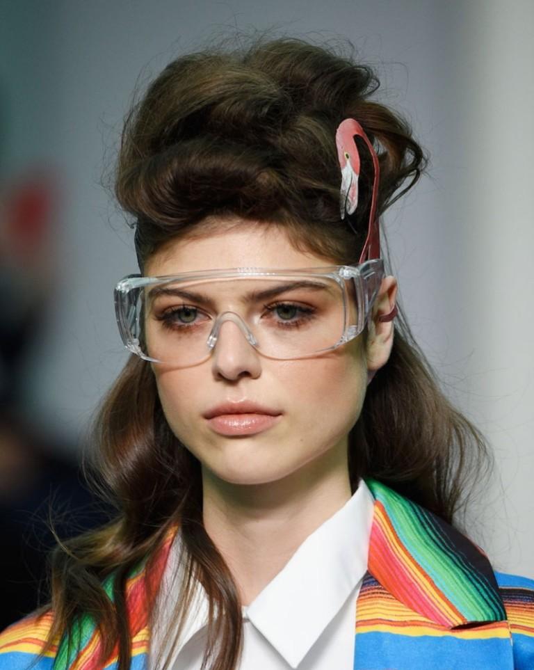 thick-frames-2 57+ Newest Eyewear Trends for Men & Women 2020