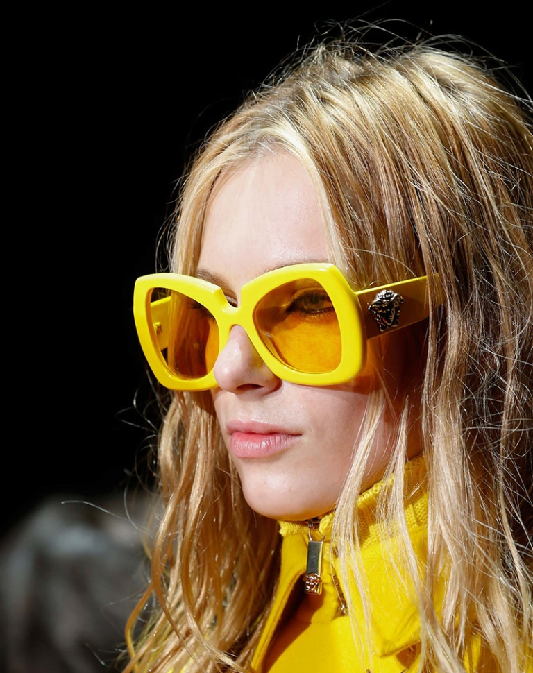 thick-frames-3 57+ Newest Eyewear Trends for Men & Women 2020