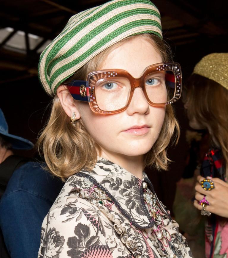 thick-frames-4 57+ Newest Eyewear Trends for Men & Women 2020