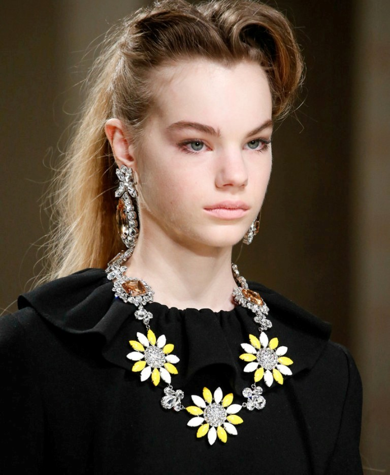 vintage-jewelry-and-brooches 65+ Hottest Jewelry Trends for Women in 2020