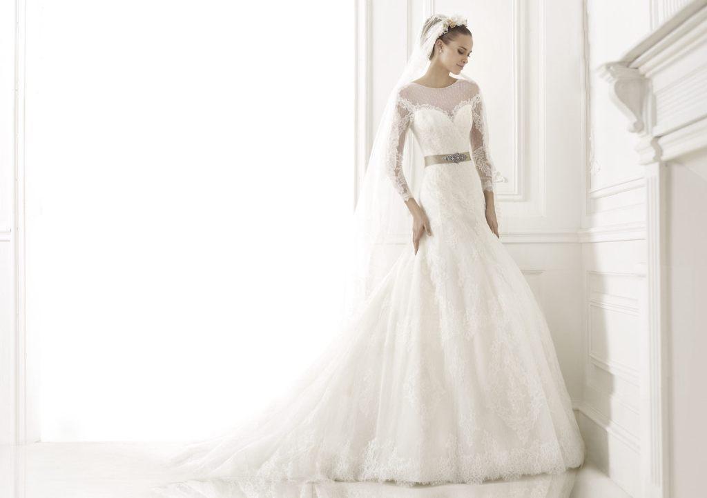 Muslim-wedding-dresses-22 46 Fabulous Wedding Dresses for Muslim Brides 2019