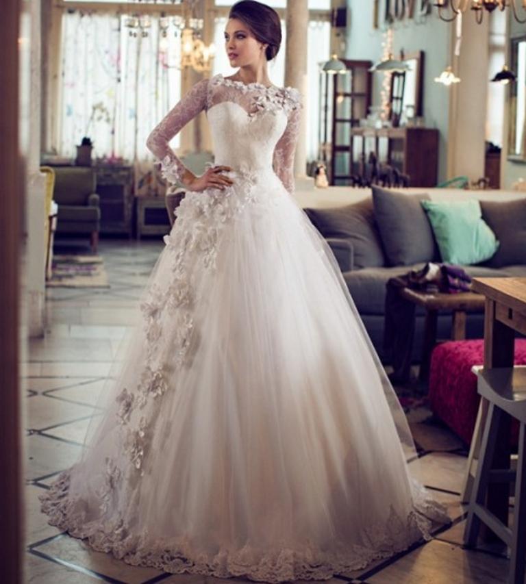 Muslim-wedding-dresses-23 46 Fabulous Wedding Dresses for Muslim Brides 2019