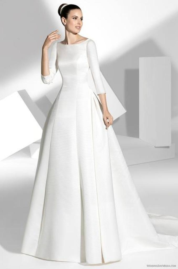 Muslim-wedding-dresses-24 46 Fabulous Wedding Dresses for Muslim Brides 2019