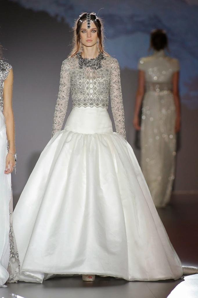 Muslim-wedding-dresses-27 46 Fabulous Wedding Dresses for Muslim Brides 2019