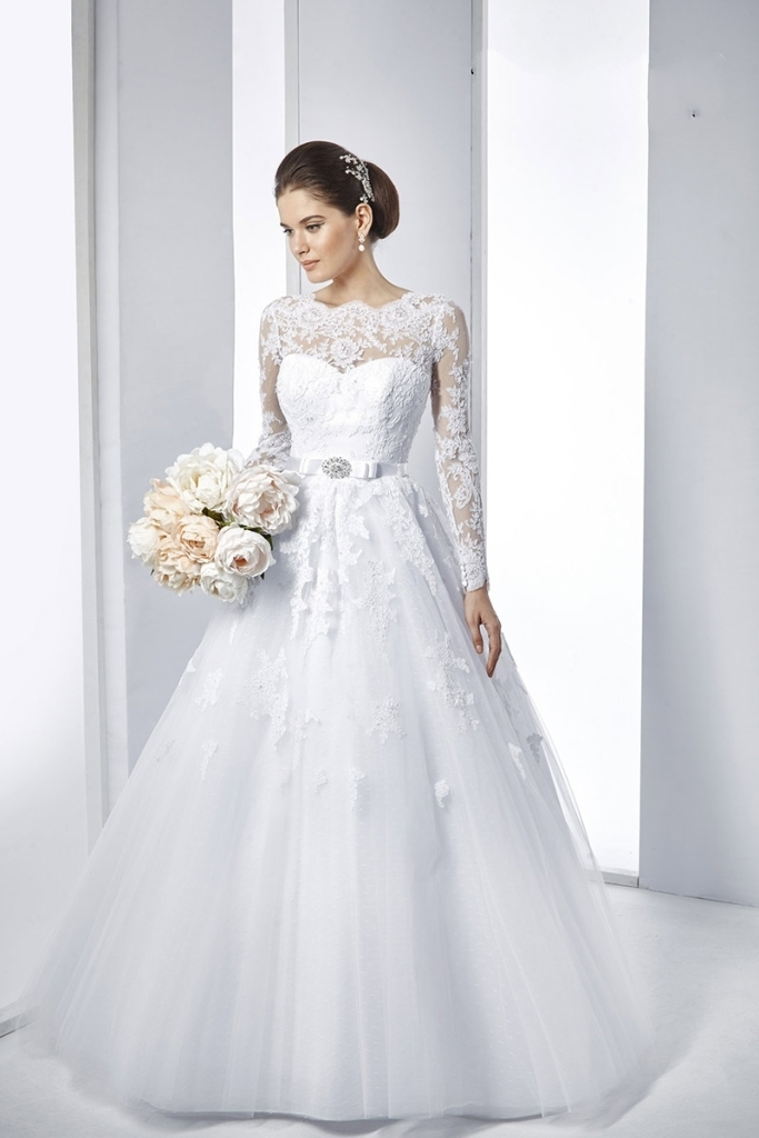 Muslim-wedding-dresses-39 46+ Fabulous Wedding Dresses for Muslim Brides