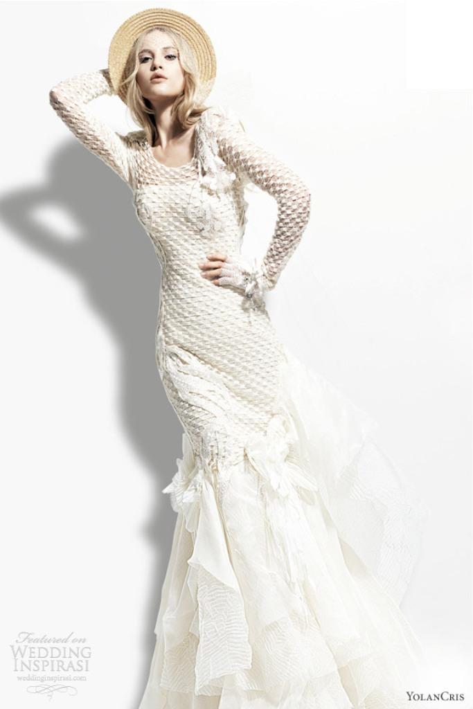 Muslim-wedding-dresses-9 46 Fabulous Wedding Dresses for Muslim Brides 2019