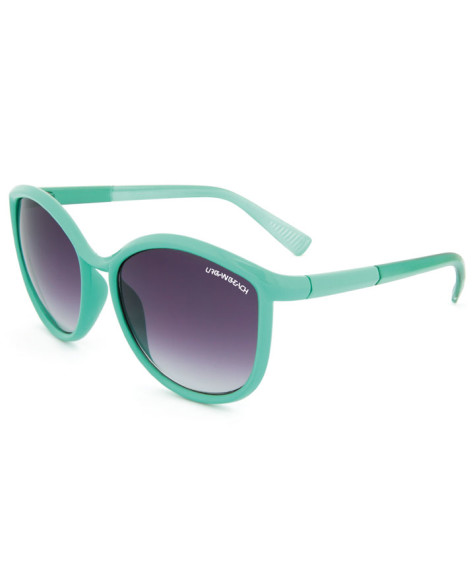 SG1156-urban-beach-uv400-sunglasses-green-big-475x580 Accessorize Your Swimwear With These 40 Beach Jewelry