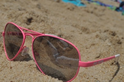 beach-photo-pink-summer-sunglasses-Favim.com-56421-475x315 Accessorize Your Swimwear With These 40 Beach Jewelry