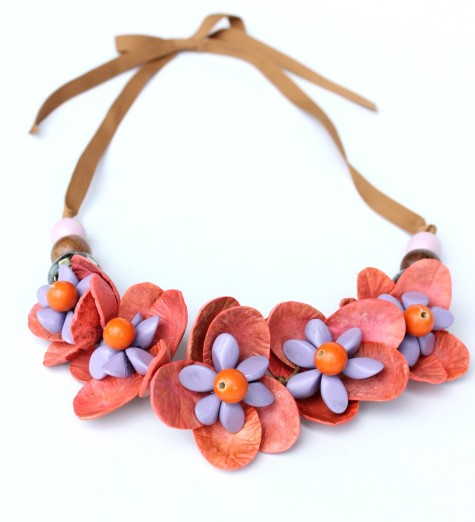 orange_purple-necklace-475x522 Accessorize Your Swimwear With These 40 Beach Jewelry