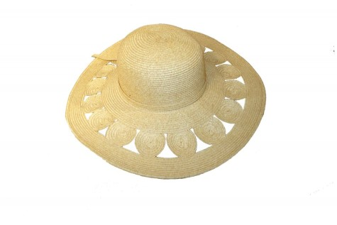 sun-hat-wide-brimmed1-1024x685-475x317 Accessorize Your Swimwear With These 40 Beach Jewelry