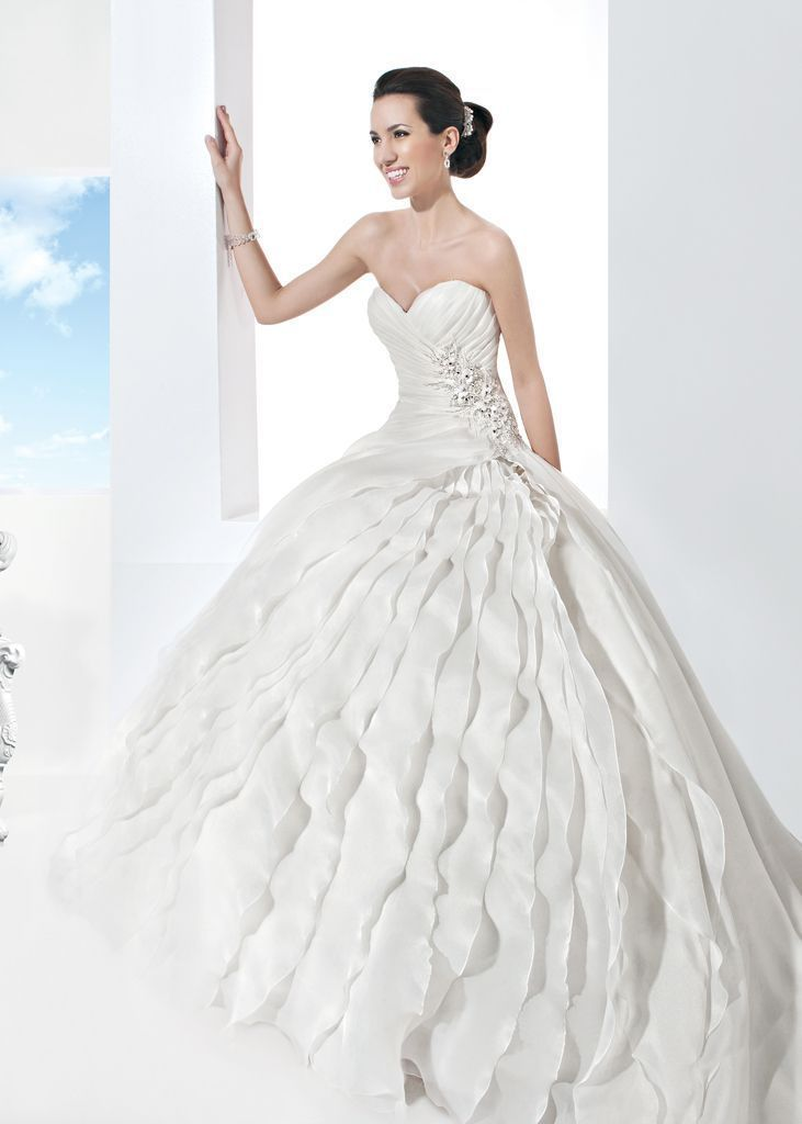 wedding-dresses-2016-29 54 Most Breathtaking Wedding Dresses in 2019