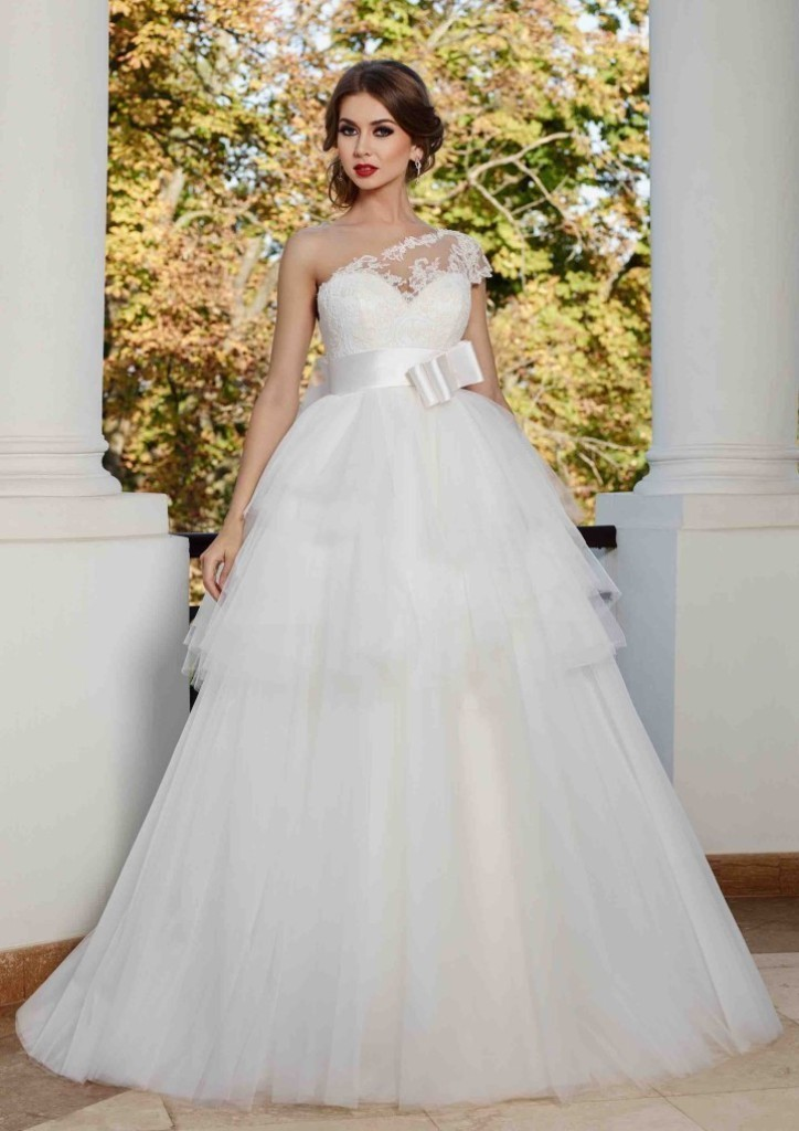 wedding-dresses-2016-3 54 Most Breathtaking Wedding Dresses in 2019