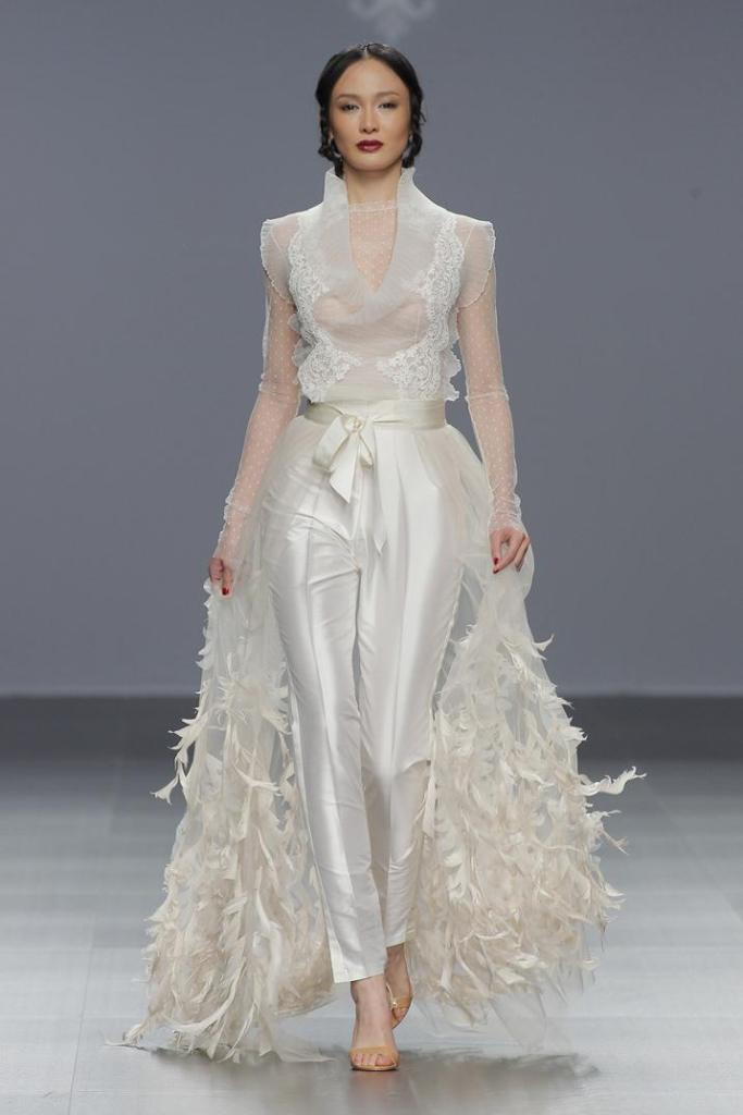 wedding-dresses-2016-31 54 Most Breathtaking Wedding Dresses in 2020