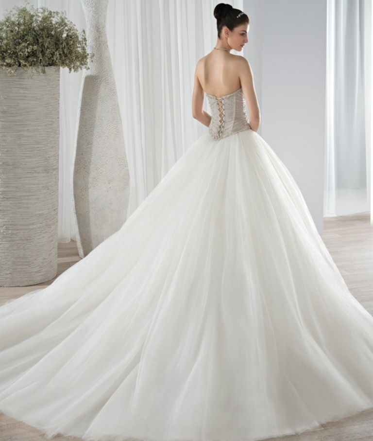 wedding-dresses-2016-32 54 Most Breathtaking Wedding Dresses in 2019