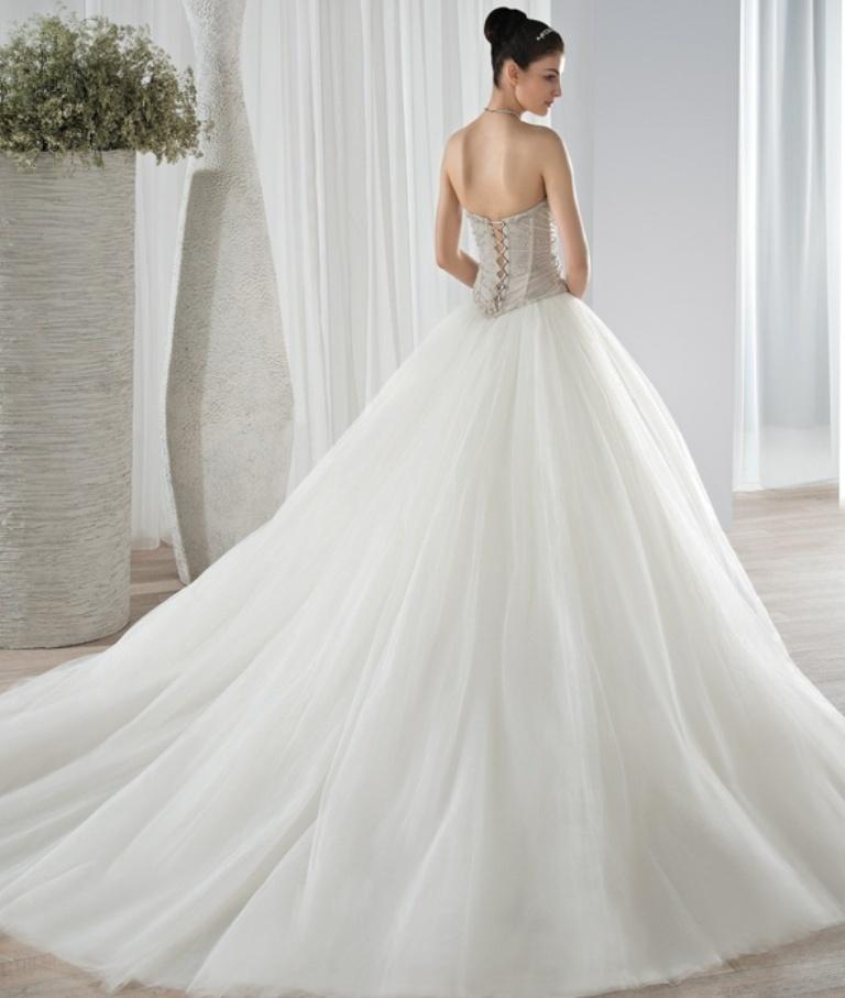 wedding-dresses-2016-32 54 Most Breathtaking Wedding Dresses in 2020