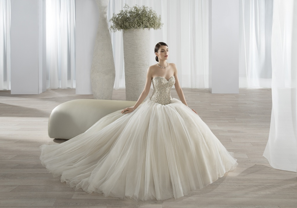 wedding-dresses-2016-46 54 Most Breathtaking Wedding Dresses in 2019