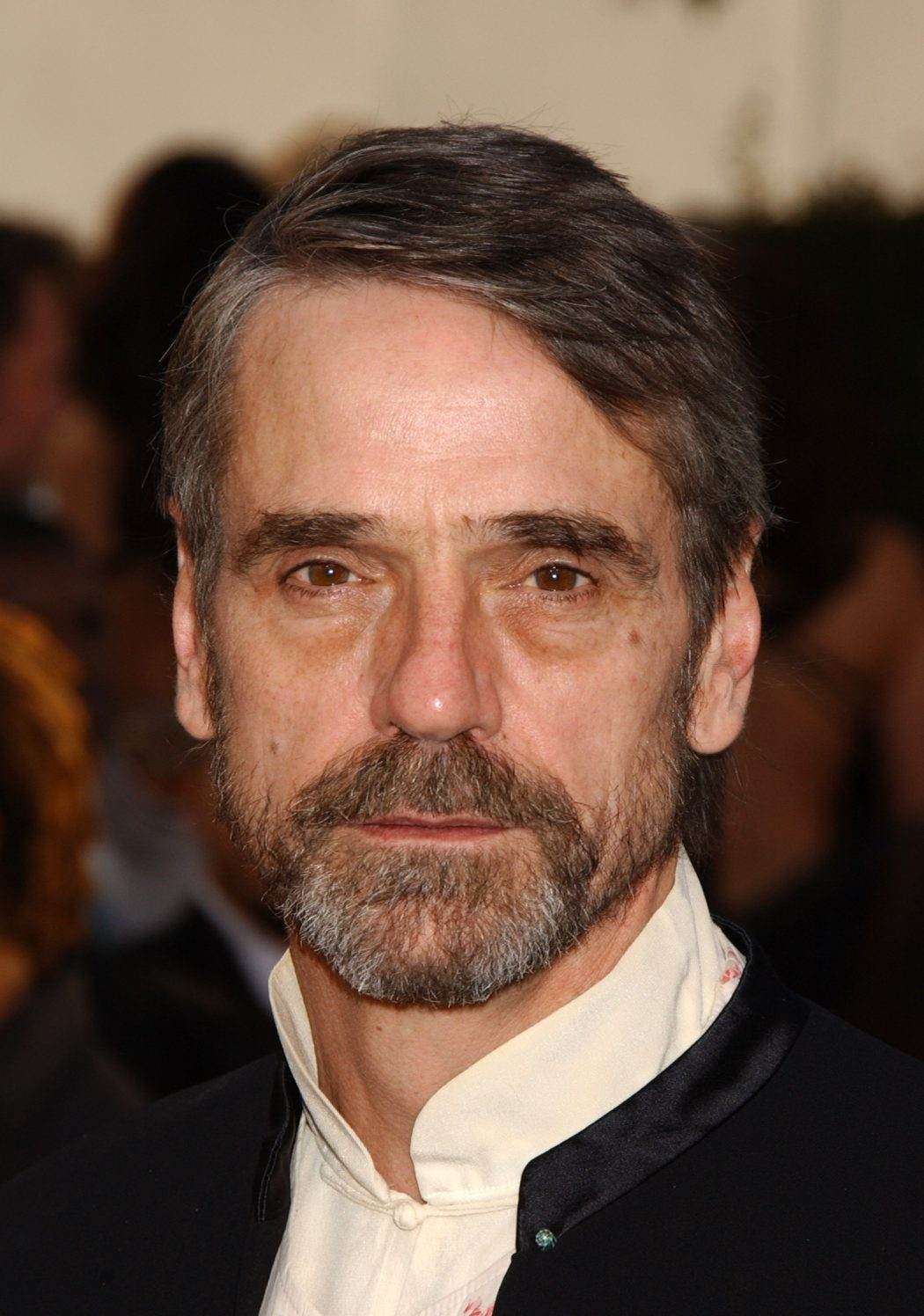 Jeremy_Irons 12 of The Most Attractive Actors Over 60