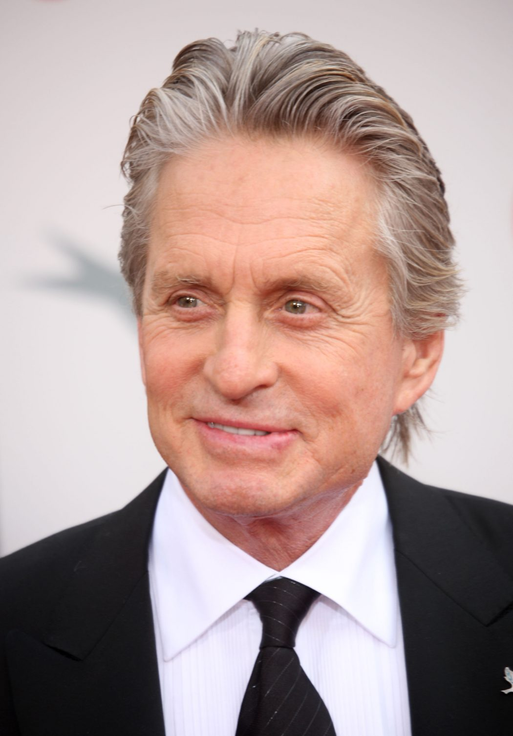Michael-Douglas-michael-douglas-32936567-2092-3000 12 of The Most Attractive Actors Over 60