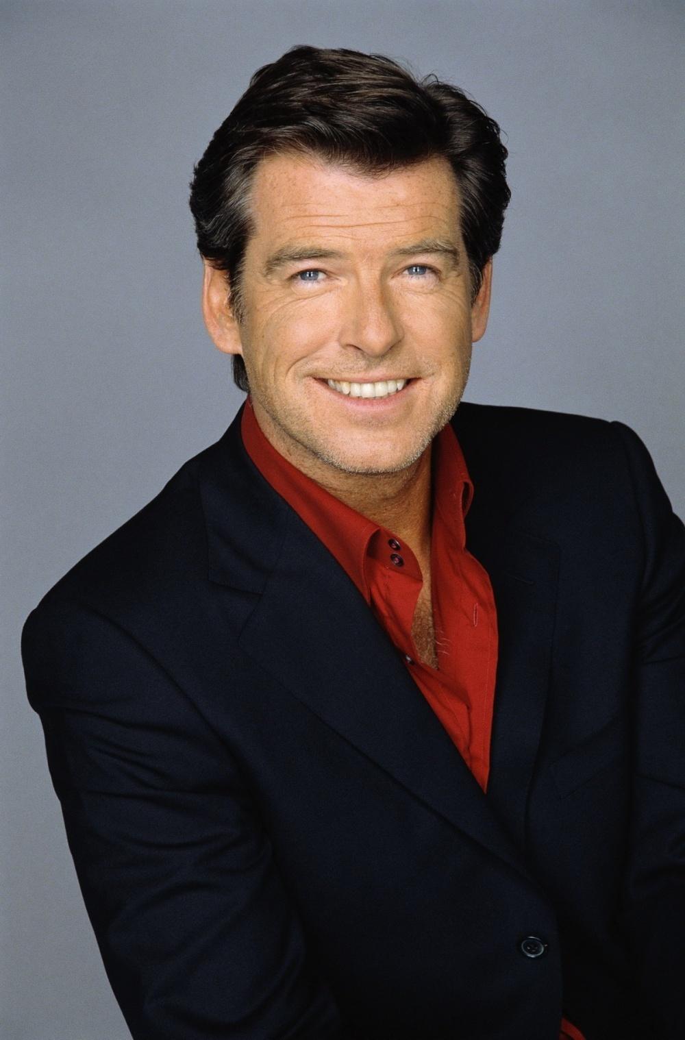 Pierce-Brosnan-pierce-brosnan-9651365-1000-1518 12 of The Most Attractive Actors Over 60