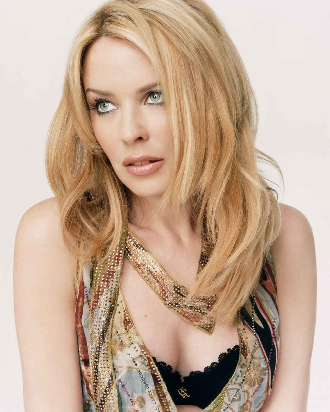 1239898-minogue__kylie_13 15 Courage Celebrities Who Battled Cancer And Won