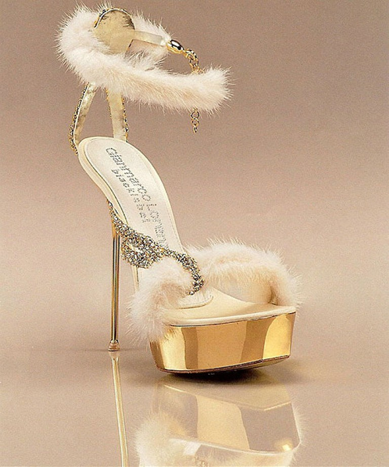 breathtaking-shoes-1 22 Dazzling Valentine's Day Gifts for Women