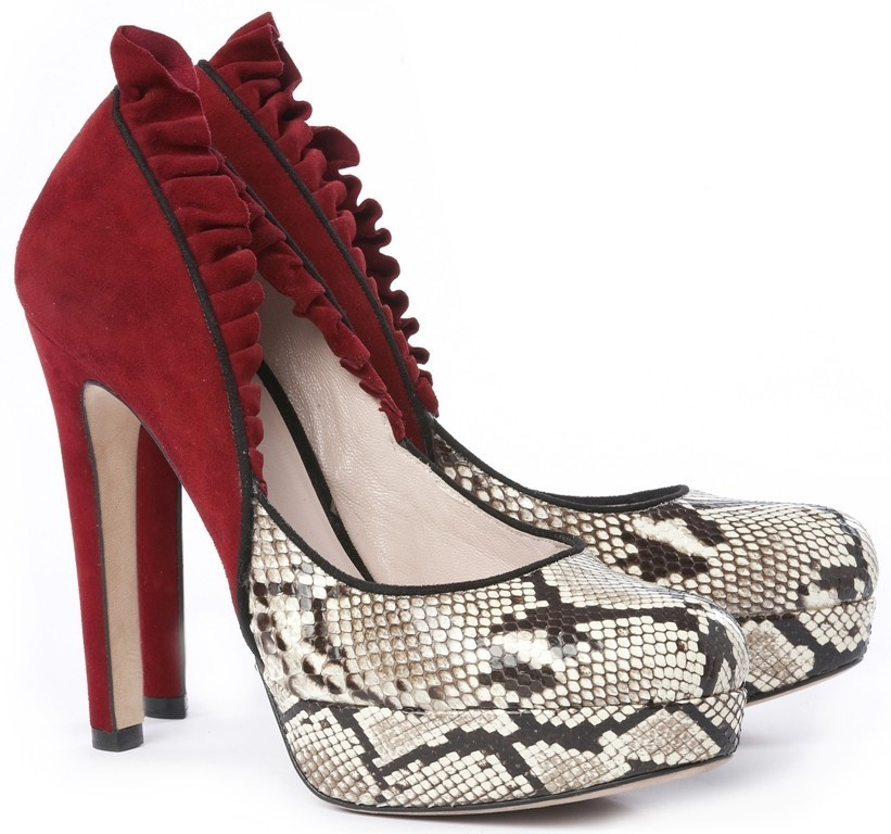 breathtaking-shoes-3 22 Dazzling Valentine's Day Gifts for Women