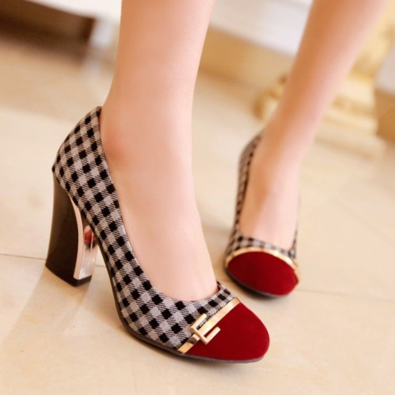 breathtaking-shoes-5 22 Dazzling Valentine's Day Gifts for Women