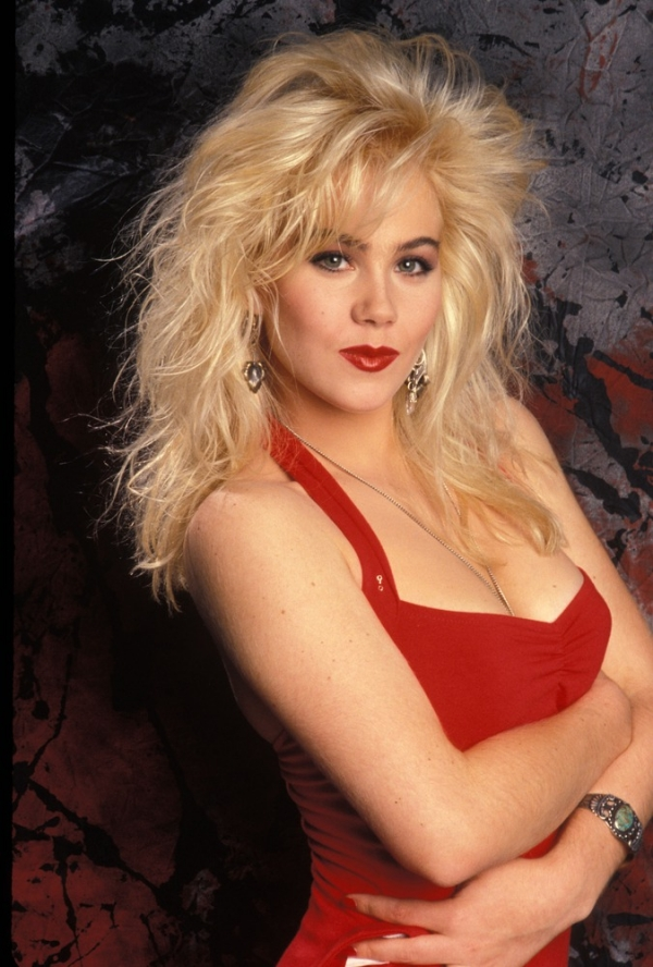 christina-applegate-pictures-1 15 Courage Celebrities Who Battled Cancer And Won
