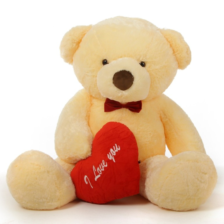 cute-teddy-bear-1 22 Dazzling Valentine's Day Gifts for Women