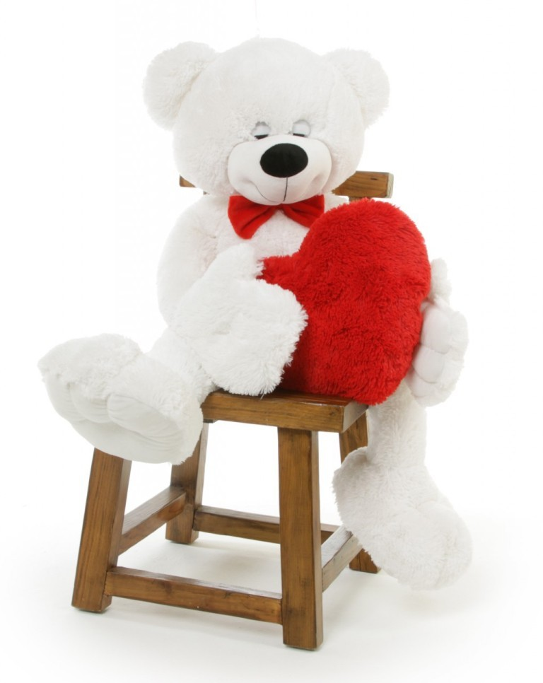 cute-teddy-bear-2 22 Dazzling Valentine's Day Gifts for Women