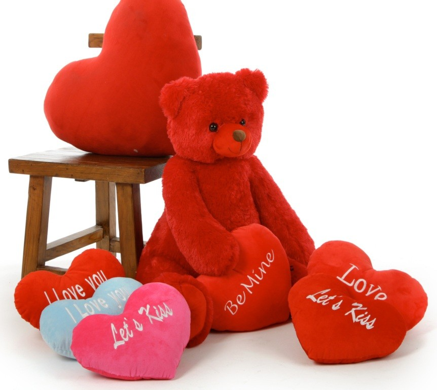 cute-teddy-bear-3 22 Dazzling Valentine's Day Gifts for Women