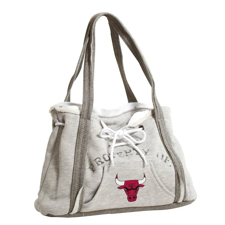 elegant-handbag-2 22 Dazzling Valentine's Day Gifts for Women