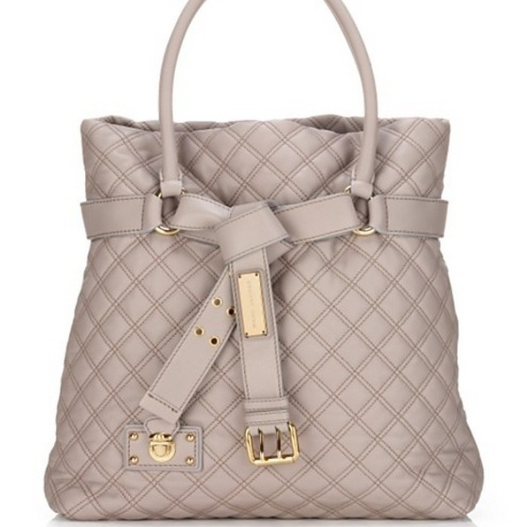 elegant-handbag-4 22 Dazzling Valentine's Day Gifts for Women