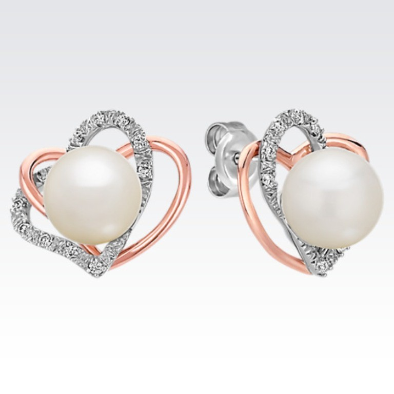 heart-shaped-earrings-3 22 Dazzling Valentine's Day Gifts for Women