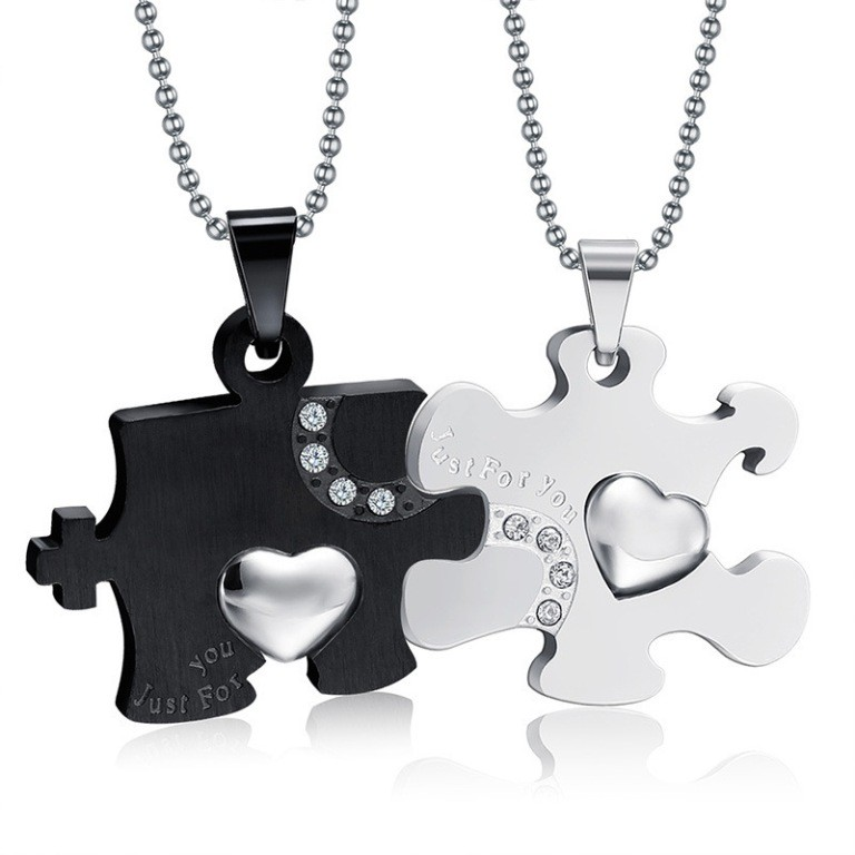 love-necklaces-2 22 Dazzling Valentine's Day Gifts for Women