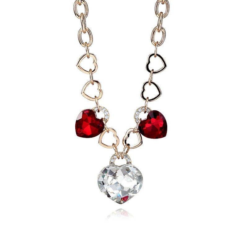 love-necklaces 22 Dazzling Valentine's Day Gifts for Women