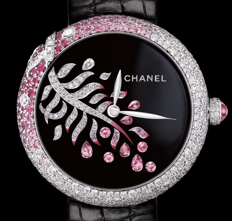luxury-watch-for-women-5 22 Dazzling Valentine's Day Gifts for Women