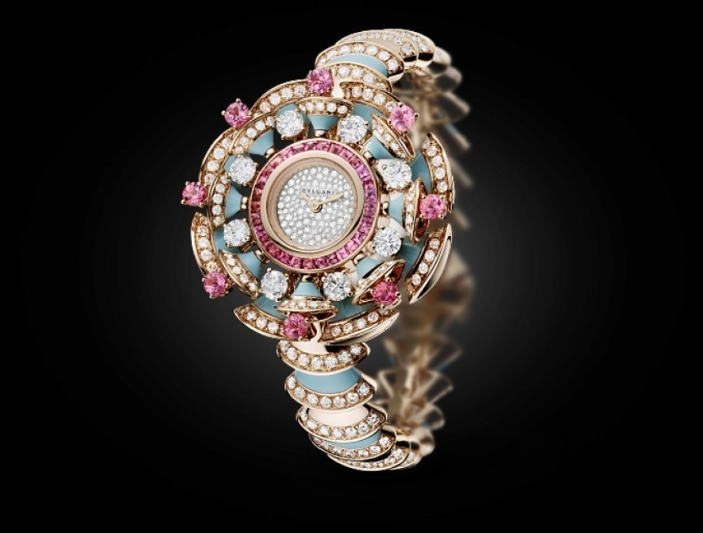 luxury-watch-for-women-8 22 Dazzling Valentine's Day Gifts for Women