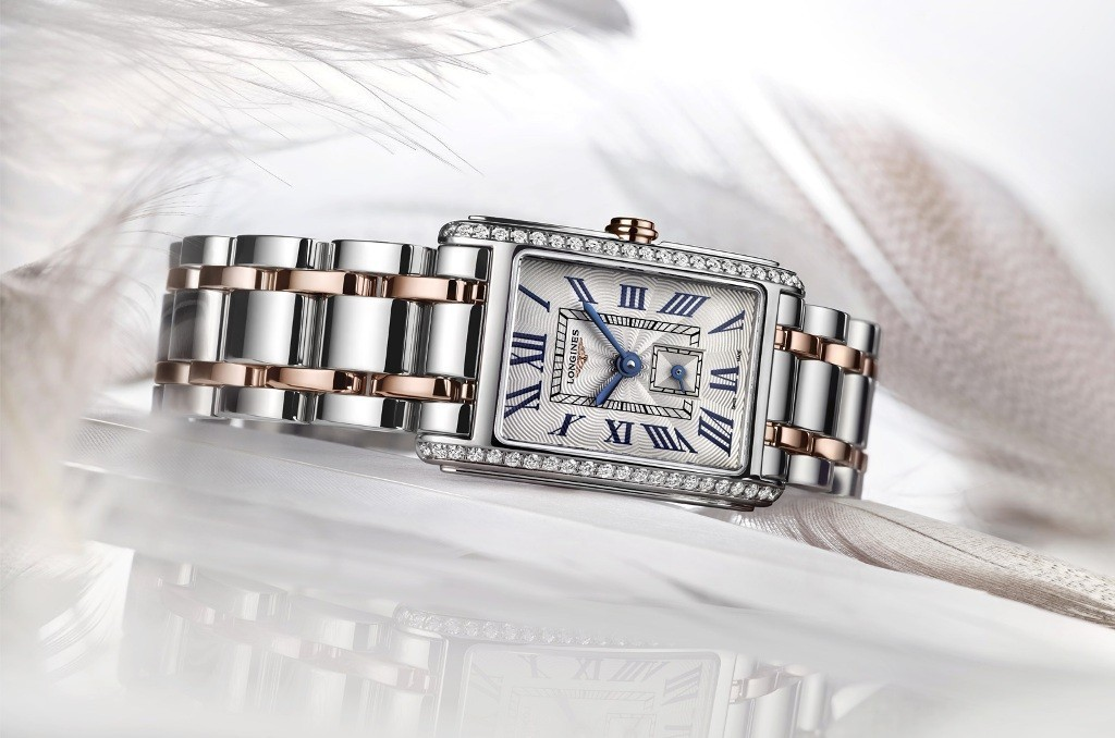 luxury-watch-for-women-9 22 Dazzling Valentine's Day Gifts for Women