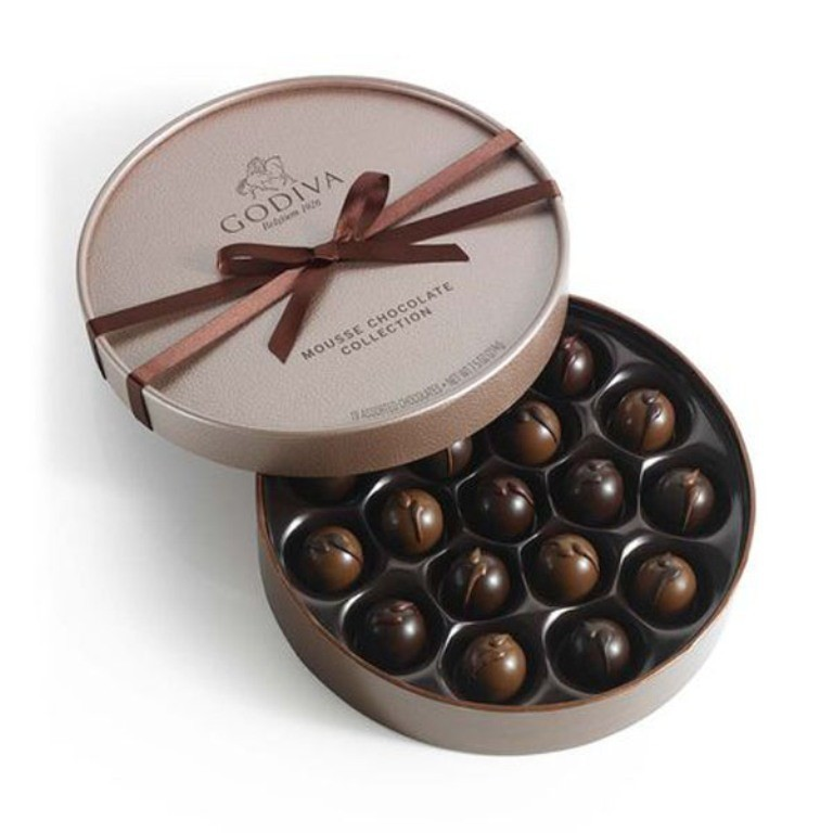 mouthwatering-chocolate-4 22 Dazzling Valentine's Day Gifts for Women