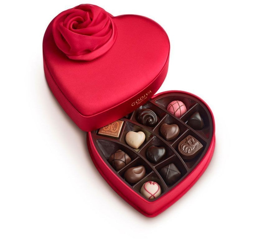 mouthwatering-chocolate 22 Dazzling Valentine's Day Gifts for Women
