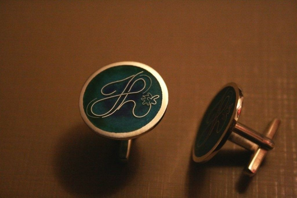 personalized-cufflinks-1 21 Amazing Valentine's Day Gifts for Men