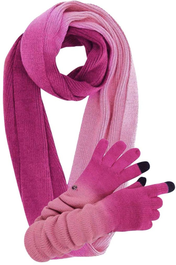 scarf-and-gloves-set 22 Dazzling Valentine's Day Gifts for Women