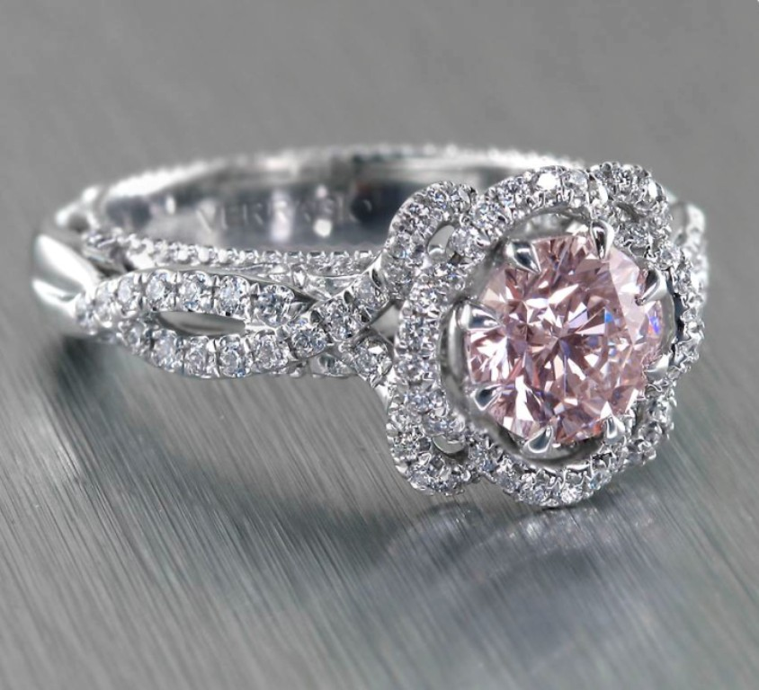 stunning-engagement-ring-10 22 Dazzling Valentine's Day Gifts for Women