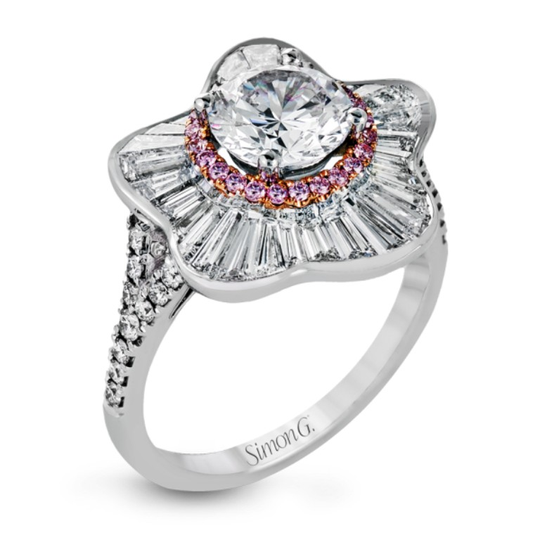 stunning-engagement-ring-2 22 Dazzling Valentine's Day Gifts for Women