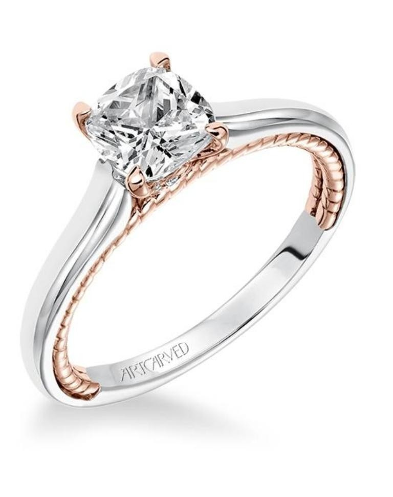 stunning-engagement-ring-3 22 Dazzling Valentine's Day Gifts for Women