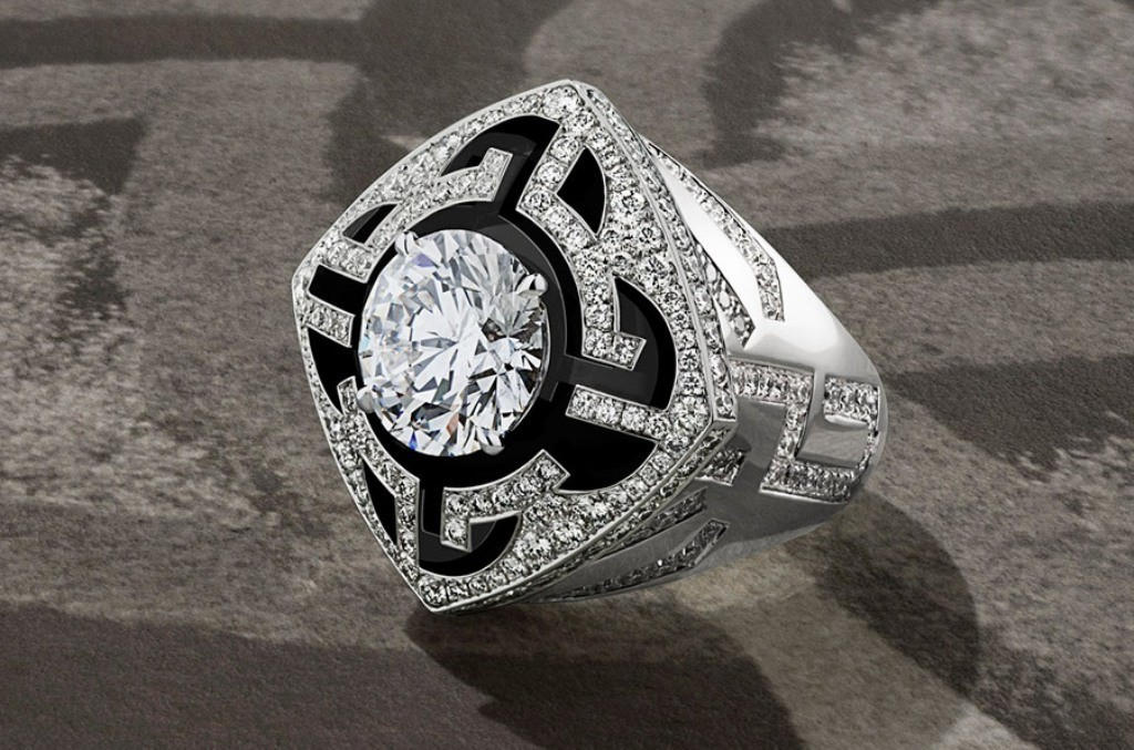 stunning-ring-for-men-1 21 Amazing Valentine's Day Gifts for Men